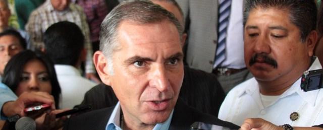 """Gabino Cué, otro ex gobernador impune que saqueó el estado de Oaxaca en complicidad con su subalterno Jorge """"El Coquito"""" Castillo."""