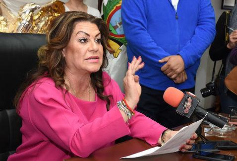 Juana Leticia Herrera Ale, alcaldesa nepotista de Gómez Palacio, el poder para reprimir la libertad de expresión e imponer un régimen fascista en este municipio lagunero.