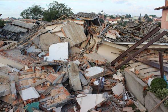 Três pessoas morrem em desabamento de casa em Criciúma