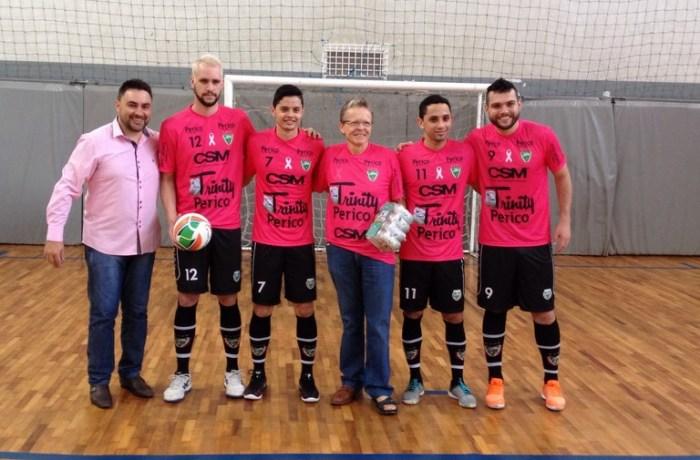 Jaraguá Futsal lança modelos de camisetas para o Outubro Rosa