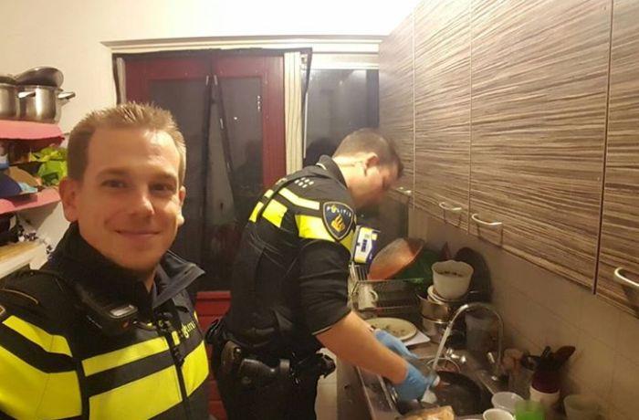 Policiais socorrem mulher, a enviam a hospital e permanecem na casa dela para preparar jantar para seus 5 filhos
