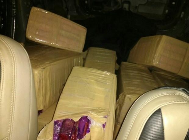 PRF apreende 427 kg de maconha e 52 kg de cocaína pura na BR-101