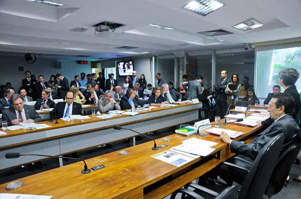 Fim de contribuição de 10% do FGTS em caso de demissão vai a Plenário