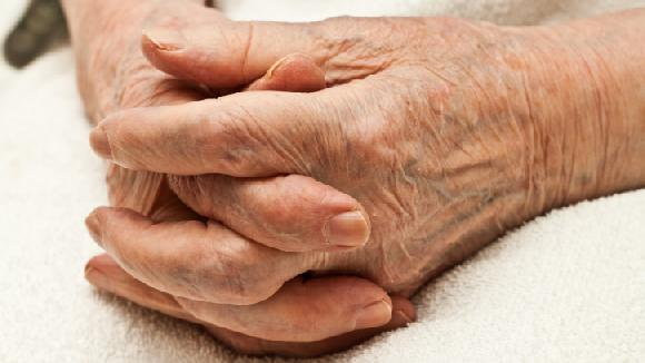 Idosa de 81 anos desaparece e é encontrada em rio em Jaraguá
