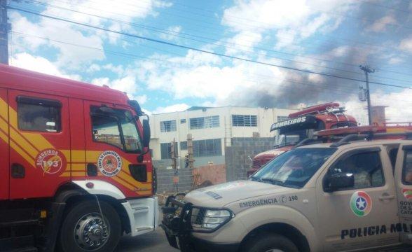 Detentos ateiam fogo a colchões em presídio em Santa Catarina
