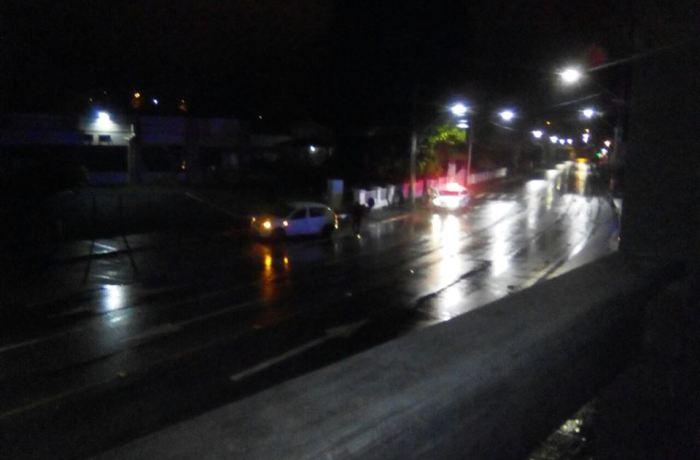 Batida de moto em muro, colisões veiculares e queda de moto em Jaraguá do Sul