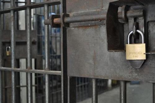 Detentos fogem da Penitenciária da Agronômica, em Florianópolis