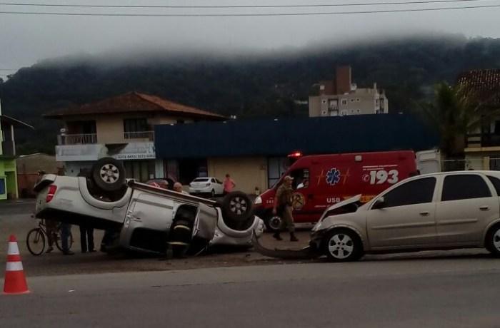 Capotamento em Guaramirim e mais três acidentes nesta manhã