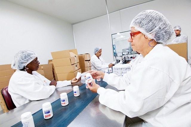 Vigilância sanitária suspende 52 lotes de medicamentos