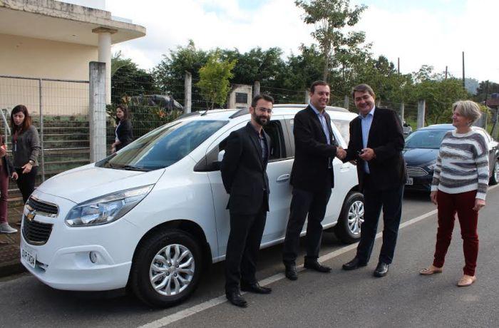 Ministério Público doa veículo ao Abrigo Provisório Tifa Martins