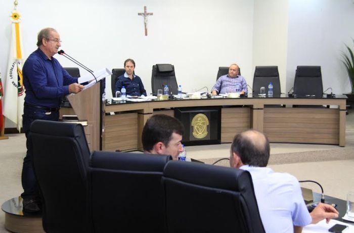 Filas para cirurgias, utilidade de parque e tratamento de lixo foram assuntos tratados na Câmara de Jaraguá