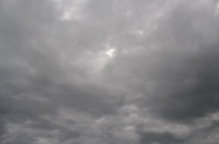 Terça tem sol entre nuvens e chuva em SC