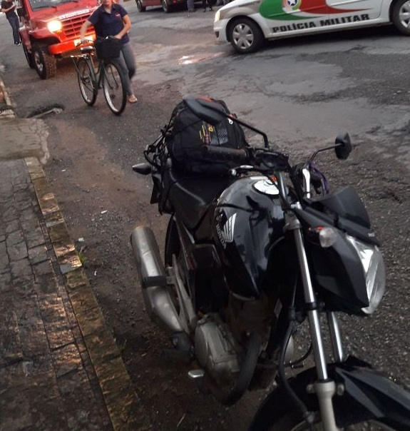 Motocicleta envolvida no acidente que vitímou fatalmente uma pessoa l Foto: Reprodução