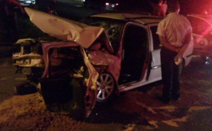 Colisão frontal entre dois carros deixa duas pessoas feridas em Jaraguá do Sul