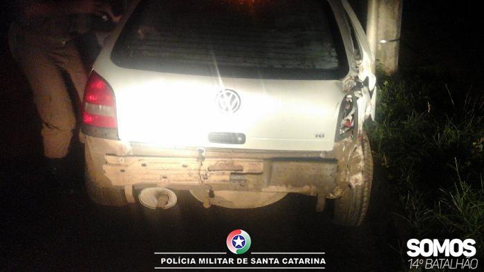 Motorista causa acidente, foge e é preso ao voltar no local em Jaraguá do Sul
