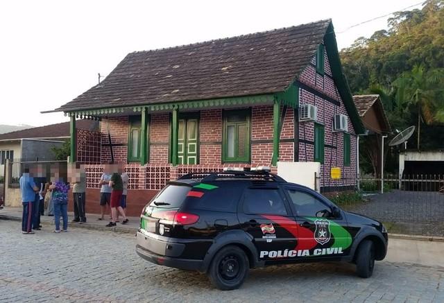 Mãe foi encontrada morta em Apiúna - Foto: Polícia Civil/Divulgação