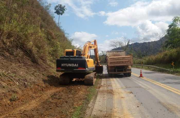 Dnit realiza obras no acostamento da BR-280 em Corupá