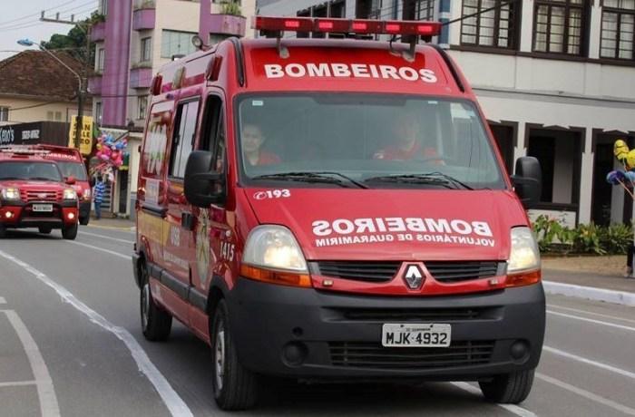 Motociclista sofre fraturas graves após acidente em Jaraguá do Sul