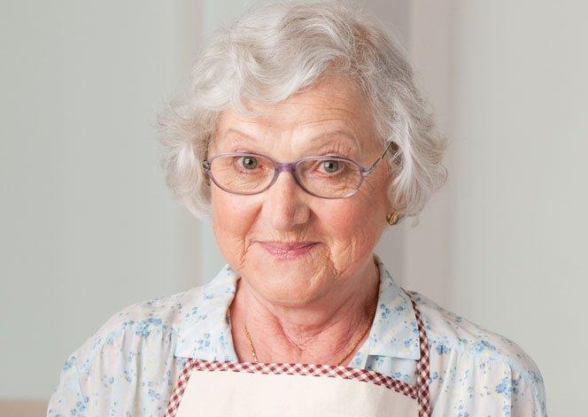 A neta conta para avó que foi traída...e se surpreende com a reação dela.