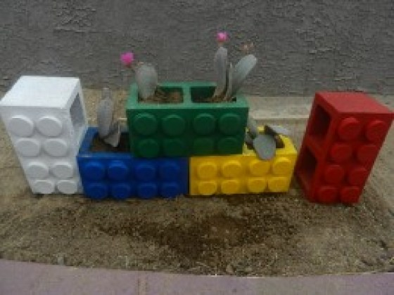 How to make lego cinder block planters recycled crafts for Plastic blocks for crafts