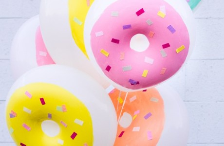 How to decorate donut balloons
