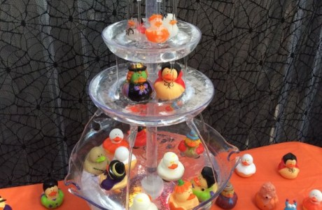 Halloween rubber ducky fishing fountain game