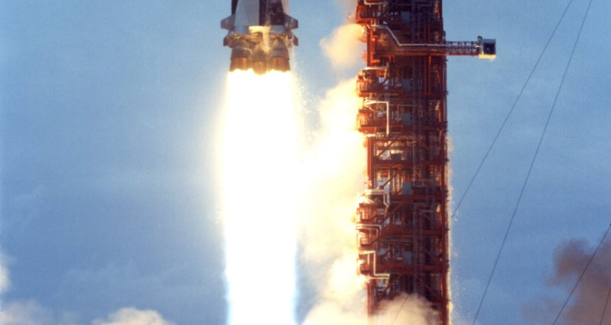 The last Saturn V launch carried the Skylab space station to low Earth orbit in place of the third stage (Wikipedia/public domain)