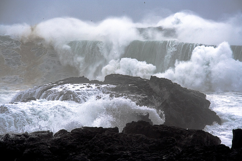 ocean_crashing_waves_erik_kolsted
