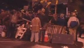pdx_111113_barricade