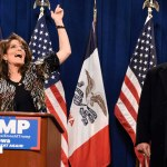Watch Tina Fey skewer Sarah Palin's endorsement of Donald Trump