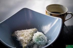 ...dostaliśmy również Lupis- ramadanowe snacki z gotowanego ryżu polane syropem cukrowym...pycha :)