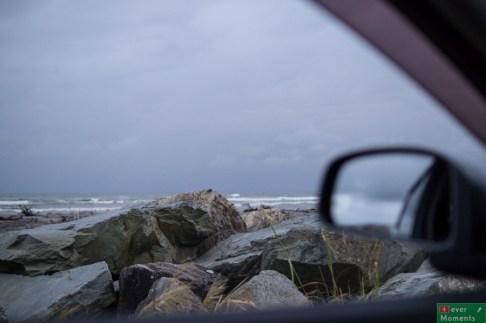 ...żeby rano obudzić się nad brzegiem oceanu :)