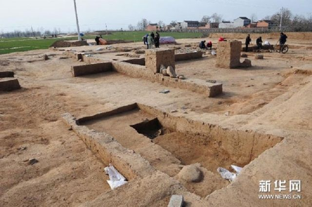 Arqueólogos trabajan en el yacimiento de Shaanxi