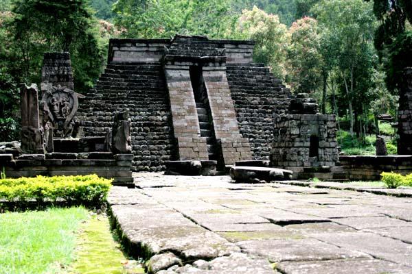 Templo de Sukuh, en Java.