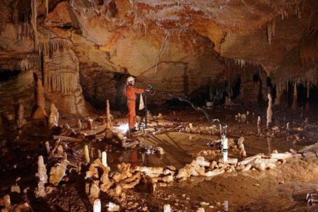 Cueva Bruniquel en Francia, en donde se ha hallado una estructura neandertal de 175.000 años.