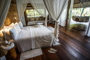 bedroom-luxury-villa-dedon-island