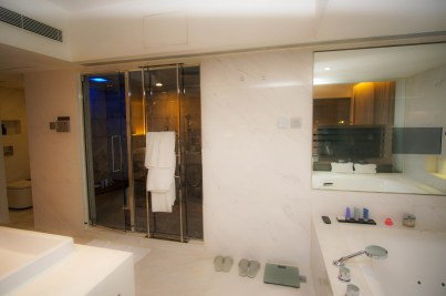 they-even-had-a-steam-room_mira-hotel-hk