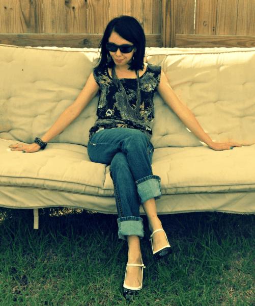 Jillian-Owens-on-couch