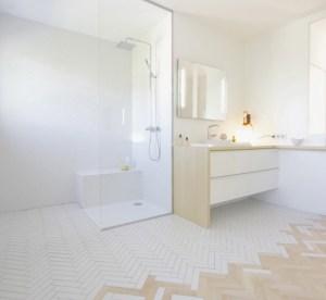 cambiar suelo baño