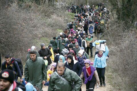 Kurzinfo: #MarchofHope gestern von Idomeni nach Mazedonien
