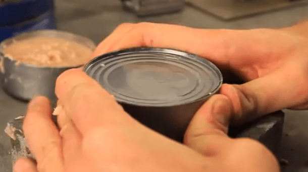 abrir-lata-conserva-sin-herramientas