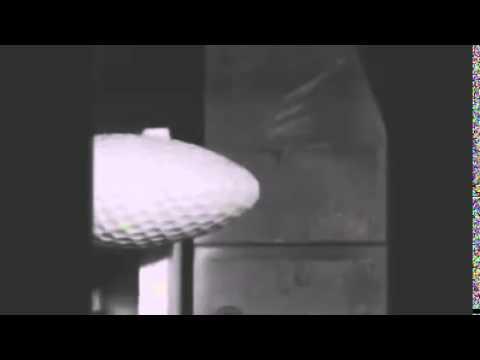 Qué le sucede a una bola de golf si le pasa una apisonadora por encima