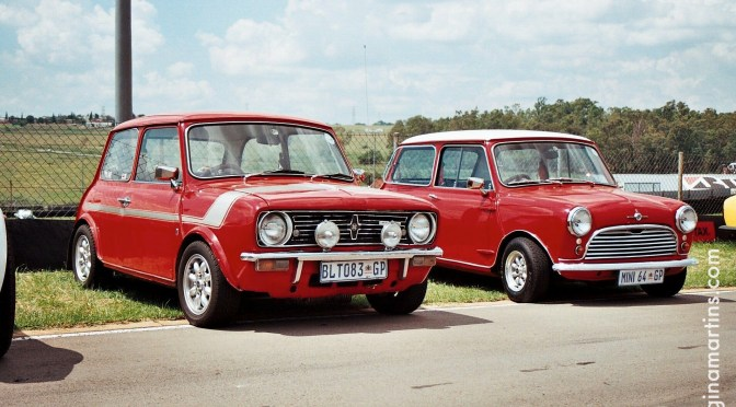 The 1275E and the Morris Mini 850 side-by-side ©2016 Regina Martins
