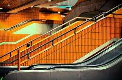 ICC Berlin Parkhaus orange gekachelt