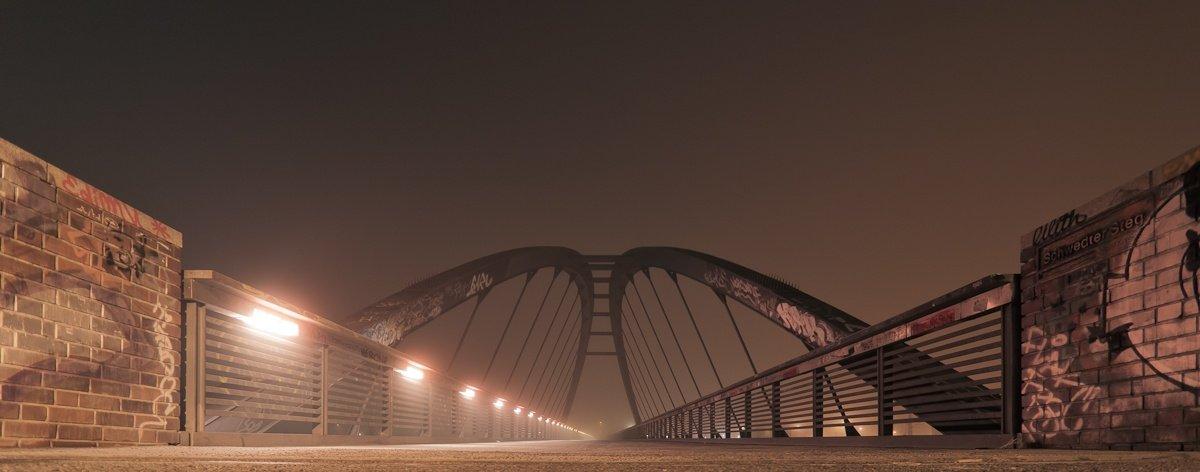 Brücken im Nebel
