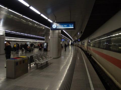 ICE am Flughafen Wien