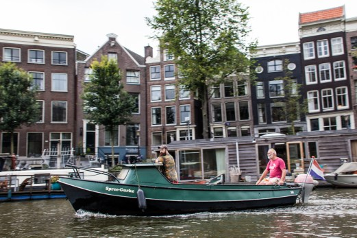 På kanalen i Amsterdam_