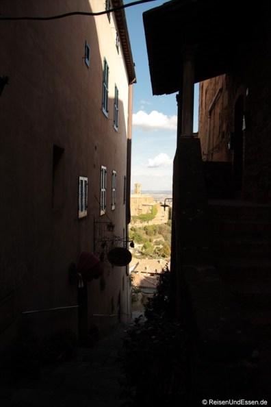 Gasse und Ausblick in Montalcino