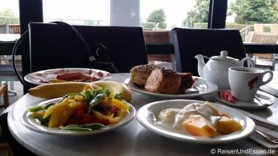 Langschläferfrühstück im KÉ café & bar