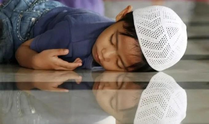 tidur saat puasa diakses dari www.sehatfresh.com